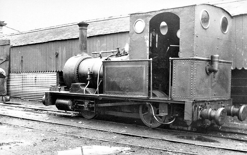 TALYLLYN RAILWAY - No.2 DOLGOCH - 686mm - 0-4-0T built 1866 by Fletcher Jennings & Co. - last loco in service before closure - seen here pre-preservation.