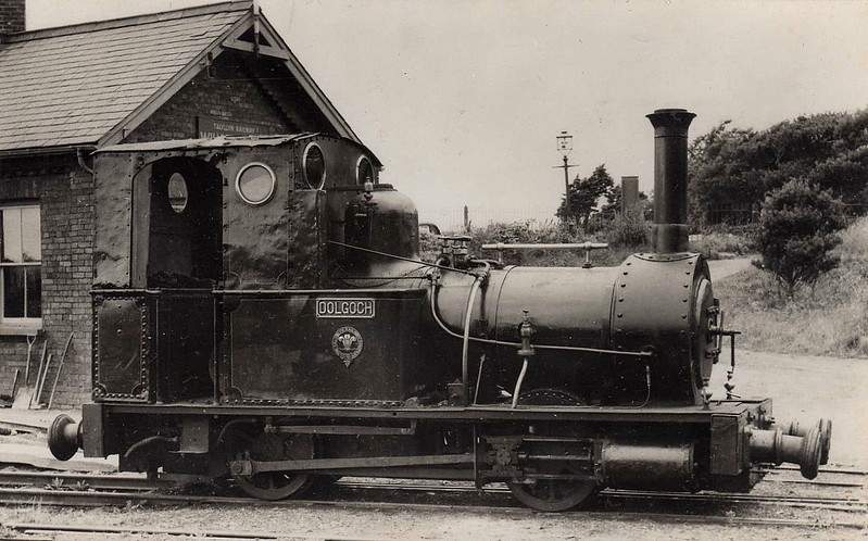 TALYLLYN RAILWAY - No.2 DOLGOCH - 686mm - 0-4-0T built 1866 by Fletcher Jennings & Co. - last loco in service before closure - note buffers.