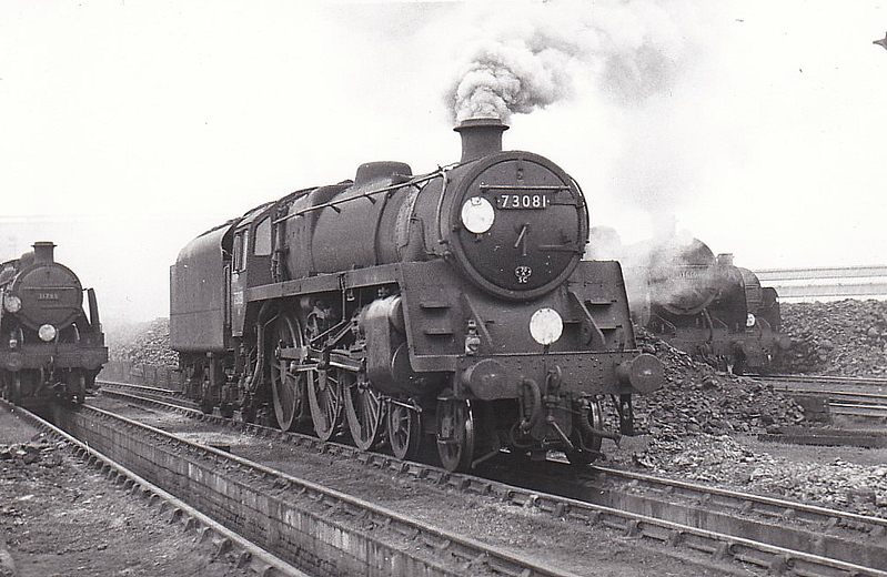 73081 EXCALIBUR - Riddles BR Class 5MT 4-6-0 - built 06/55 by Derby Works - 07/66 withdrawn from 70C Guildford - seen here at Fratton.