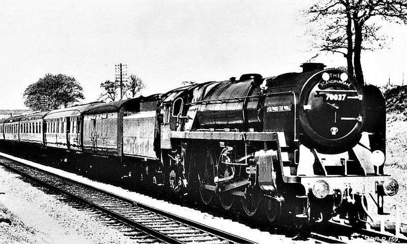 70037 HEREWARD THE WAKE - Riddles BR Class 7 Britannia 4-6-2 - built 12/52 by Crewe Works - 11/66 withdrawn from 12A Carlisle Kingmoor - seen here on 'The Scandinavian'.