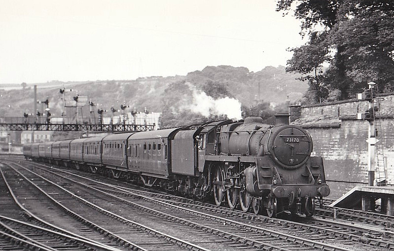 73170 - Riddles BR Class 5MT 4-6-0 - built 04/57 by Doncaster Works - 06/66 withdrawn from 70D Eastleigh - seen here at Scarborough, 06/59.