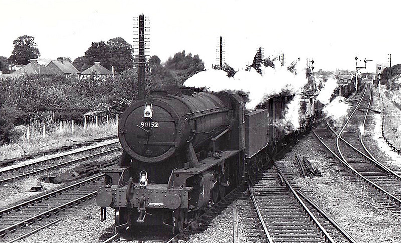 90152 - WD Class 8F 2-8-0 - built 06/43 by North British Loco Co. as WD No.7165 - 01/45 to WD No.77165, 03/51 to BR No.90152 - 05/65 withdrawn from 10H Lower Darwen.