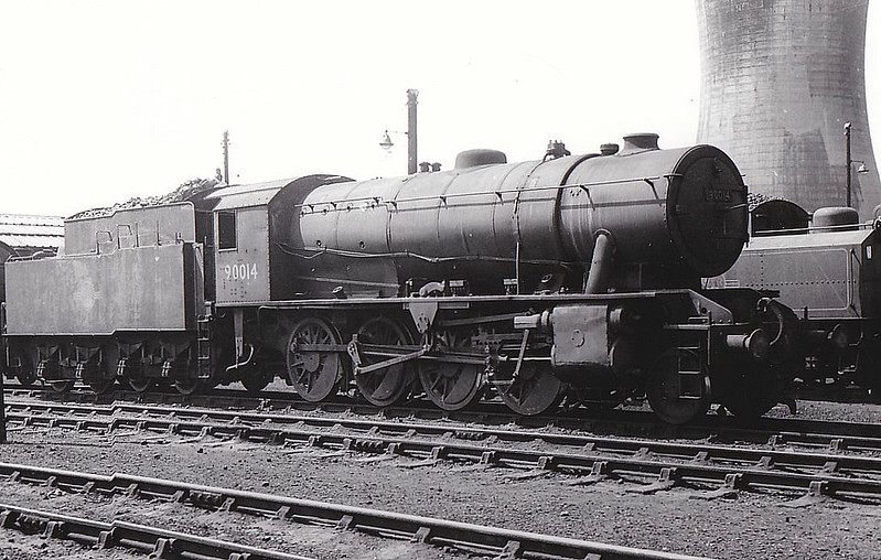 90014 - WD Class 8F 2-8-0 - built 09/43 by North British Loco Co. as WD No.7220 - 01/45 to WD No.77220, 02/47 to LNER No.3014, 12/50 to BR No.90014 - 04/67 withdrawn from 51C West Hartlepool - seen here at Darlington.