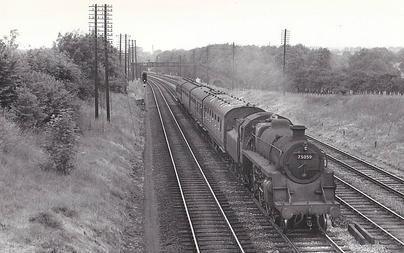 75059 - Riddles BR Class 4 4-6-0 - built 04/57 by Swindon Works - 07/67 withdrawn from 10A Carnforth - seen here near Finedon, 06/61.