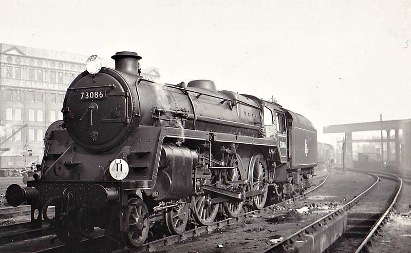 73086 THE GREEN KNIGHT - Riddles BR Class 5 4-6-0 - built 08/55 by Derby Works - 10/66 withdrawn from 70A Nine Elms, where seen 10/55.
