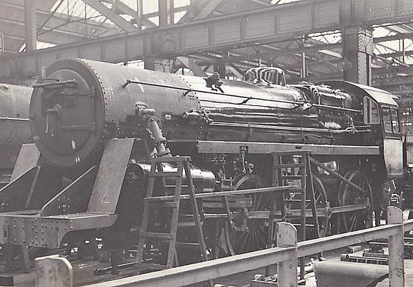 75001 - Riddles BR Class 4 4-6-0 - built 08/51 by Swindon Works - 12/64 withdrawn from 83E Yeovil Town - seen here in the Erecting Shop at Swindon Works, 06/51.