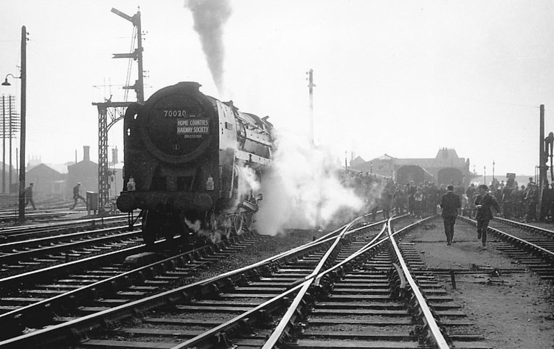 70020 MERCURY - Riddles BR Class 7 Britannia 4-6-2 - built 07/51 by Crewe Works - 01/67 withdrawn from 12A Carlisle Kingmoor - seen here on a Home Counties Railway Society Special.