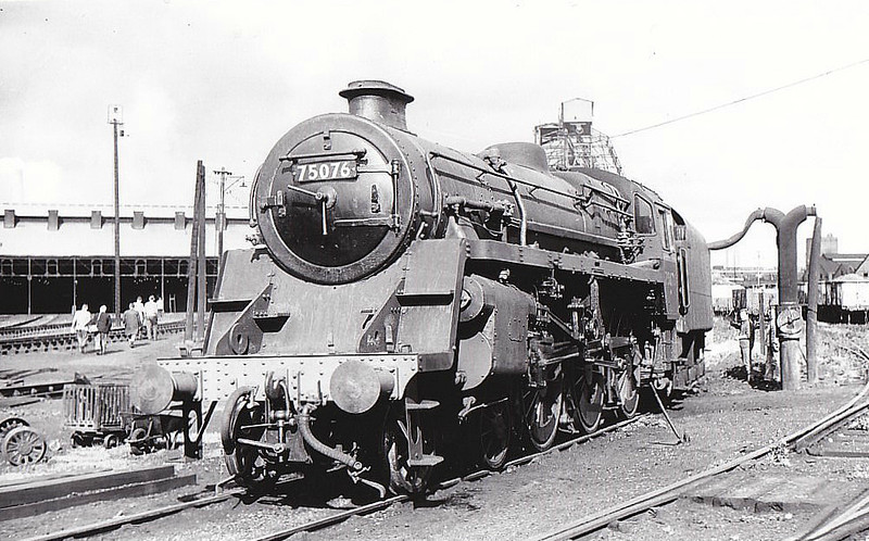 75076 - Riddles BR Class 4 4-6-0 - built 12/55 by Swindon Works - 07/67 withdrawn from 70D Eastleigh.