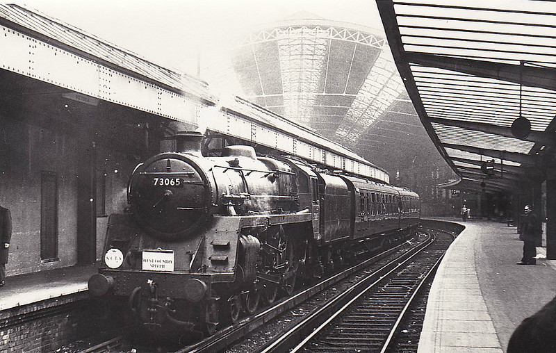 73065 - Riddles BR Class 5 4-6-0 - built 10/54 by Crewe Works - 07/67 withdrawn from 70A Nine Elms - seen here at Victoria about to depart on the 'West Country Special', 13/11/66.