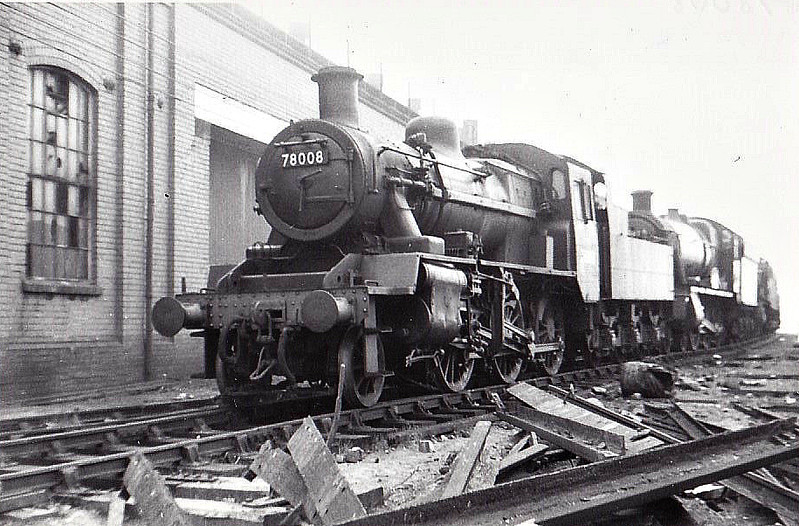 78008 - Riddles BR Class 2MT 2-6-0 - built 03/53 by Darlington Works - 10/66 withdrawn from 84B St Blazey - seen here at Oxley MPD.