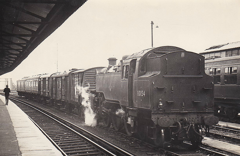 80154 - Riddles BR Class 4 2-6-4T - built 03/57 by Brighton Works - 04/67 withdrawn from 70A Nine Elms - seen here shunting vans at Clapham Junction, 05/65.