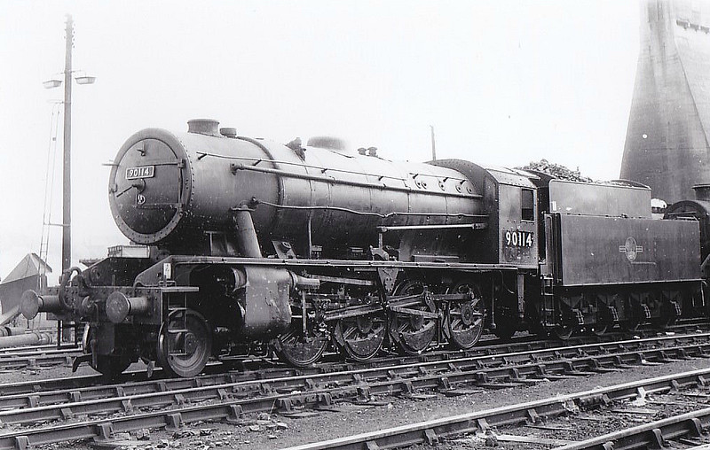 90114 -  WD Class 8F 2-8-0 - built 03/43 by North British Loco Co. as WD No.7016 - 01/45 to WD No.77016, 03/50 to BR No.90114 - 07/64 withdrawn from 65F Grangemouth - seen here at Eastfield, 07/63.