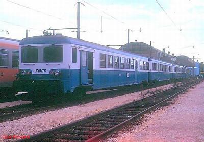 SNCF EMU set 07 (Z7107+ZR17107+ZR27107+ZR27207) at Vennissieux depot on 4th November 1989.