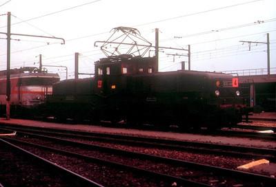 1111, Tours St Pierre des Corps depot, 26th November 1988.