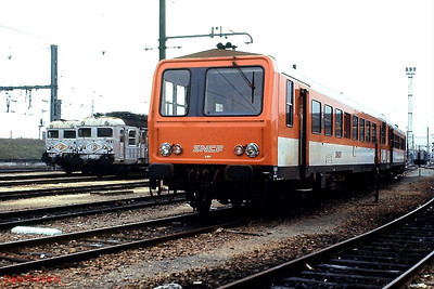 SNCF single-car DMU X2207 (centre) and EMUs Z5110 & Z5122 are seen at Tours St Pierre des Corps depot on 26th November 1988.
