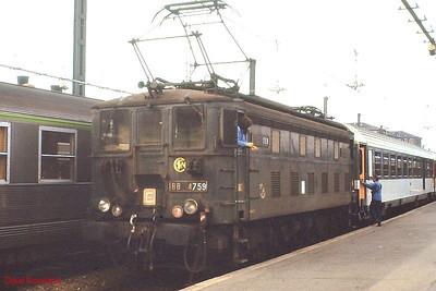 BB 4759 (built c.1935) is seen at Paris Austerlitz on ECS duties on 25th November 1988.
