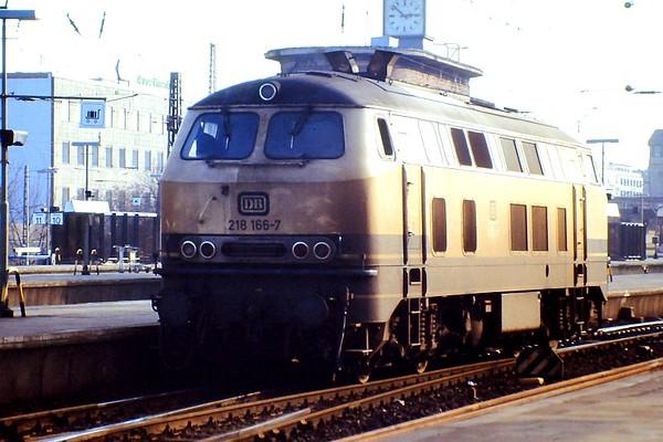 218 166. Hamburg Altona, 24th February 1990.