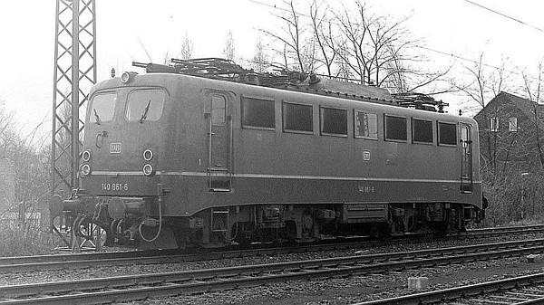 140 861, Oberhausen Osterfeld Sud depot, 26th February 1990.