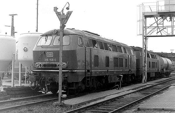 216 156, 216 155, Oberhausen Osterfeld Sud depot, 26th February 1990.