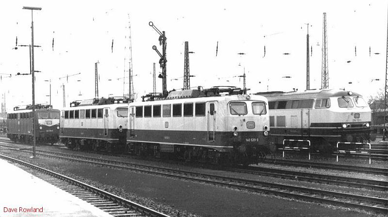 140 529 + others stabled at Krefeld Hbf, 26th February 1990.