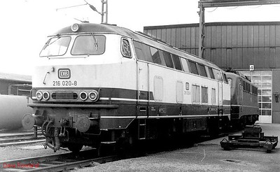 216 020, 140 474, Oberhausen Osterfeld Sud depot, 26th February 1990.