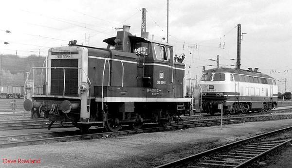 360 009, 215 078, Oberhausen Osterfeld Sud depot, 26th February 1990.