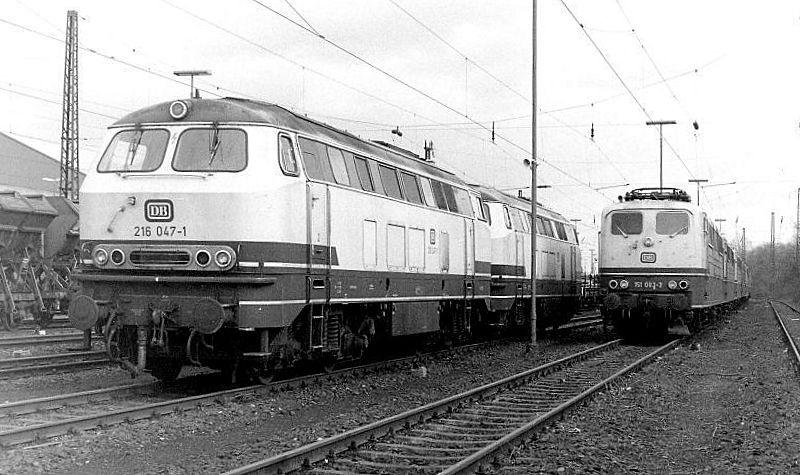 216 047, 216 014, 151 083, Oberhausen Osterfeld Sud depot, 26th February 1990.