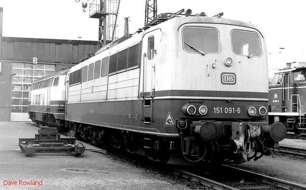 151 091, 216 038, Oberhausen Osterfeld Sud depot, 26th February 1990.