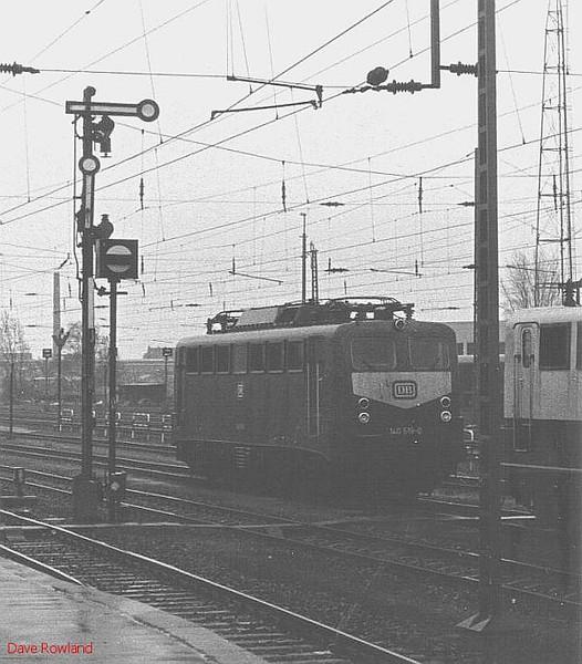 140 519, Krefeld Hbf, 26th February 1990.