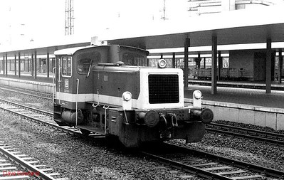 332 153, Disburg Hbf, 26th February 1990.