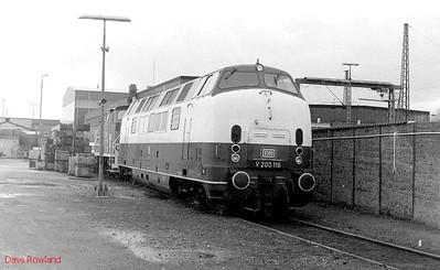 V200 116 (220 116), Oberhausen Osterfeld Sud depot, 26th February 1990.