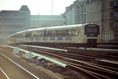 My beautiful pictureHamburg S-bahn EMU, Hamburg Altona, 24th February 1990.