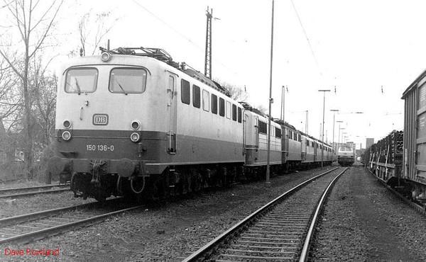 150 136 etc, Oberhausen Osterfeld Sud depot, 26th February 1990.