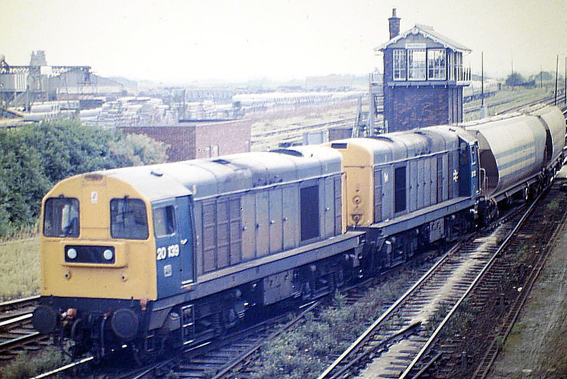 20139 and 20022 head for Whitemoor on 6H94 from Bury, 29/08/85. 20139 was withdrawn in May 1991 and 20022 in August 1988.