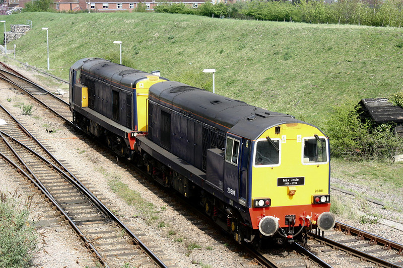20301 trails as the pair head into Whitemoor Yard to collect their train, 11/04/11.