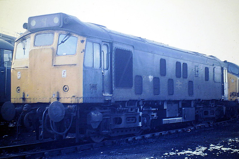 25037 is stabled on March Depot, 03/86. This loco was withdrawn in January 1987.