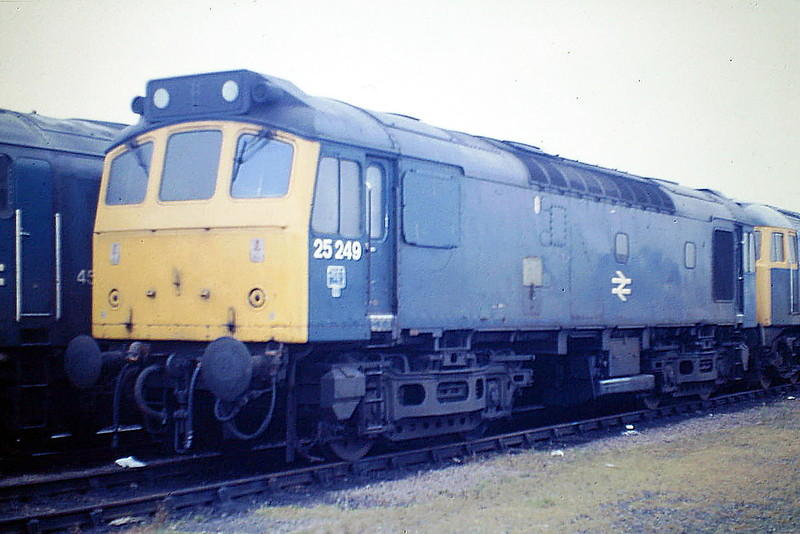 25249, seen here at March Depot on October 20th, 1985, was one of the longer lived Class 25's, not withdrawn until January 1987.