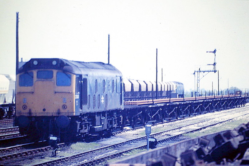25245 is in March Down Loop on an LWR train, 05/85, just one month before withdrawal.