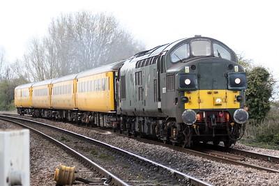 37057 approaches Badgeney Road AHB on a Derby Etches Parrk - Ferme Park test train, 30/03/20.