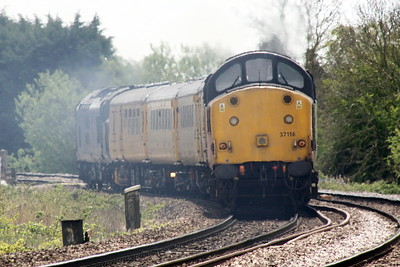 37116, trailing by 37612, passes Badgeney Road AHB on a Doncaster - Ingatestone via Ipswich test train, 07/05/21.