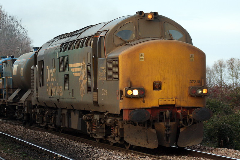 37218 approaches Badgeney Road AHB on a returning York Thrall Europa - Stowmarket RHTT train, 24/11/20.