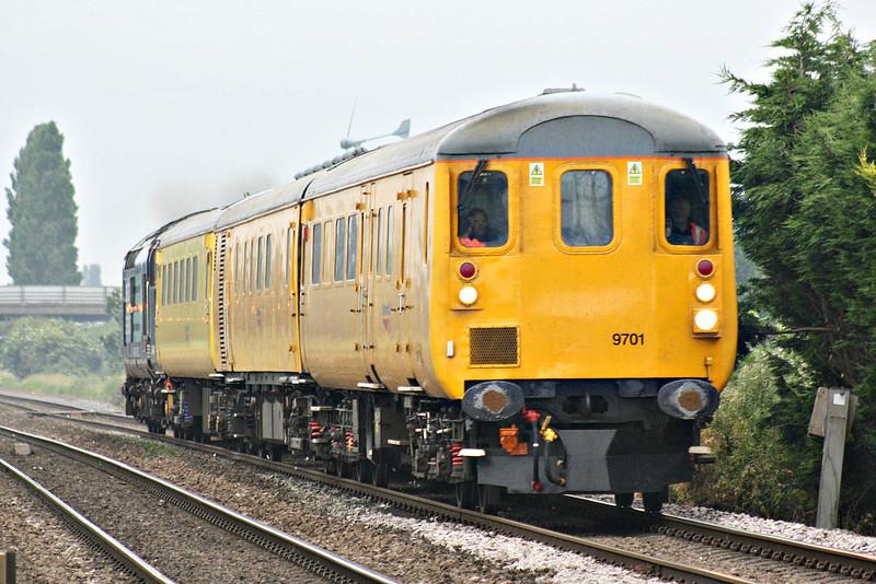 37409 propels ex-GEML DVT 9710 past Tuft OC on 3Z72 Westerfield - Derby RTC, 14/06/14.
