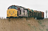37370 approaches Horsemoor on 6G32 Brandon - March Down Yard, 23/04/99. This loco was withdrawn in 11/00 and scrapped.