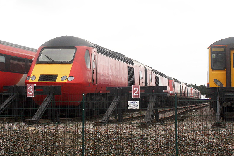 Siding No.3 at Papworth's holds no less than 6 Class 43 HST power cars, the rake headed by ex-LNER 43238, 02/09/21.