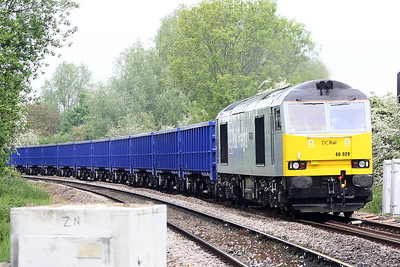 60029 BEN NEVIS approaches Badgeney Road AHB on 6Z16 Derby Chsddesden Sidings - Kings Lynn sand empties, 28/05/21. The wagons are a brand new rake of VTG big boxes. It is due to return tomorrow bound again to St Helens. After years of no Class 60's, this one is fast becoming our local engine!