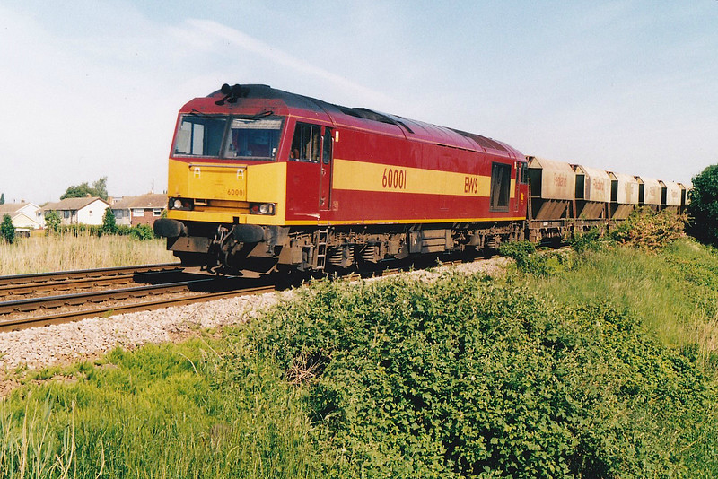 60001 approaches Silt Road LC on the Mountsorrel - Trowse Redland stone, 31/05/00.