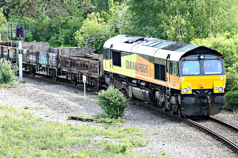 66846, originally Freightliner 66573, winds round the East Curve into Whitemoor Yard on 6L37 Hoo Junction - Whitemoor Yard, 13/05/14.