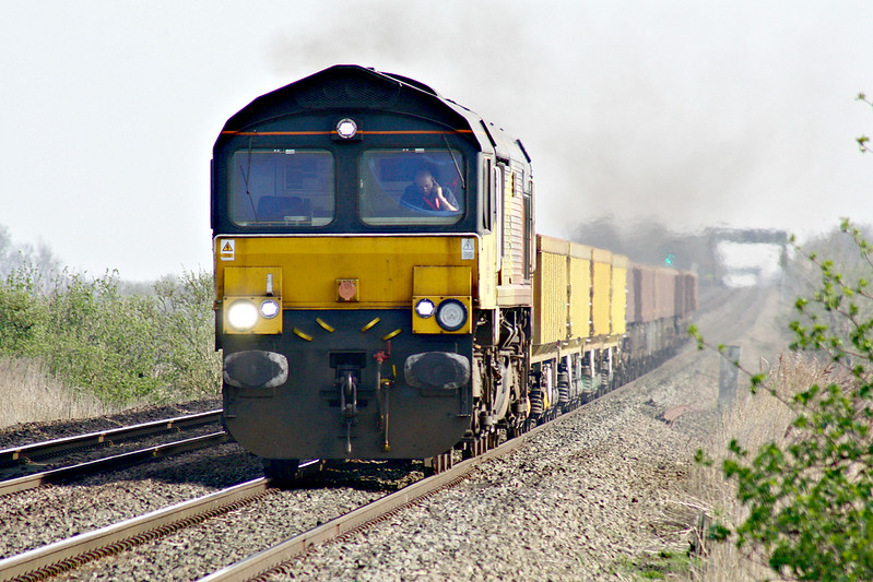 66849 WYLAM DILLY approaches Welney Road AHB on 6L37 Hoo Junction - Whitemoor Yard, 23/03/17.