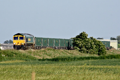 66622 approaches Horsemoor AHB on the Broxbourne - Peterborough VQ stone empties, 05/06/18.