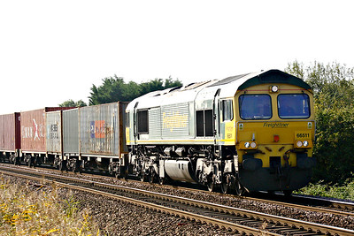 66511 approaches Silt Road Crossing on 4E63 Felixstowe North - Doncaster, 14/09/19.